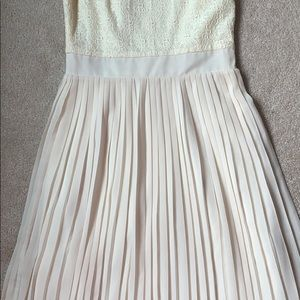 Pim + Larkin Dresses - Lace and Pleated Dress - Off-white - Size S